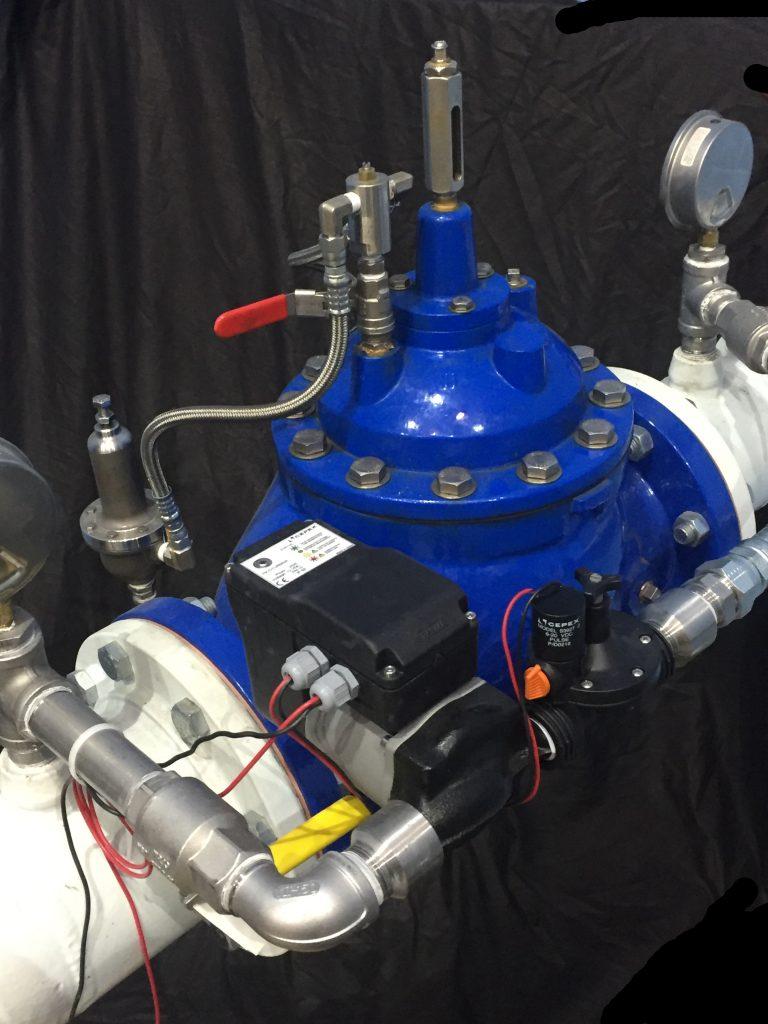 Picoturbina hidraulica 12 V 1 l/s 18 m c/regulador